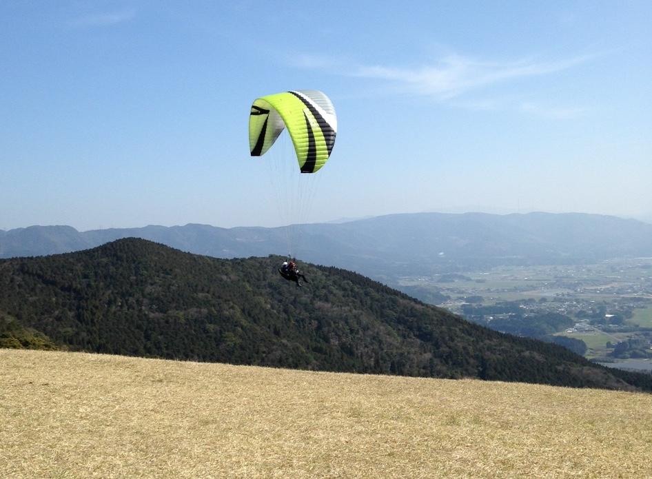 鳥になって自由に空を飛ぶ体験をしてきた。