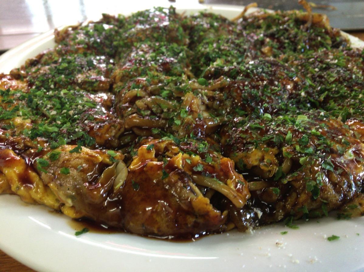 霧島市国分「いずみ」の広島風お好み焼きはあのソースを使ってて本格的でうまい。