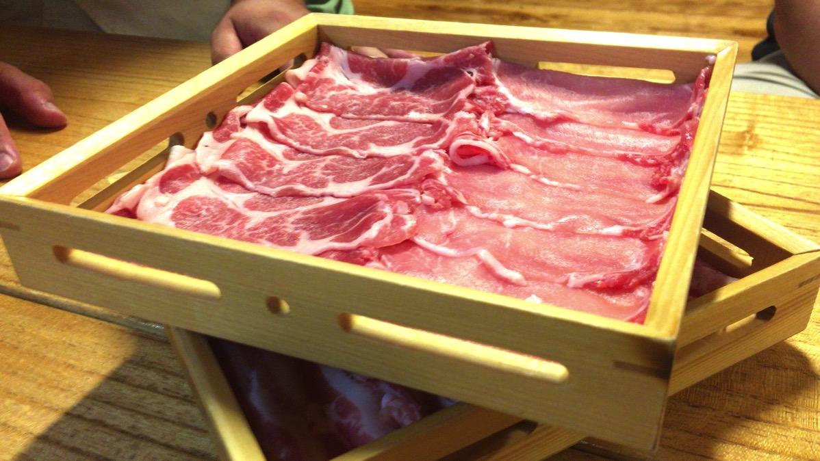 伊佐市の沖田黒豚牧場で仲間と楽しい時間とひとりだけの時間を手に入れた話。