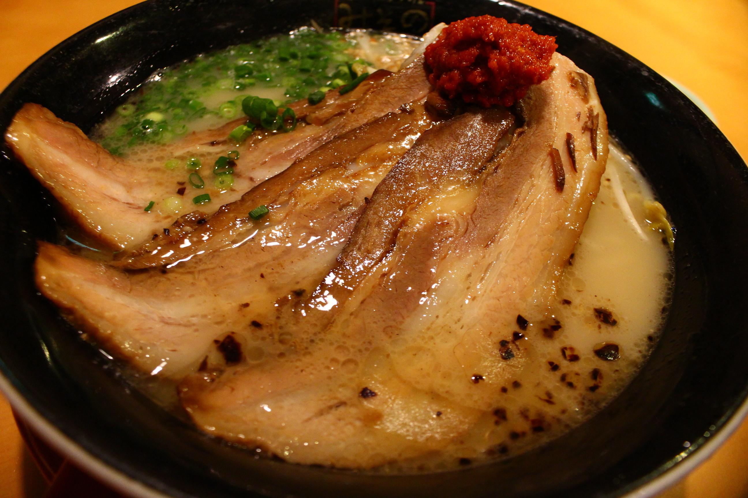【毎月20日の】みその食堂で「金の桜黒豚」ラーメンを贅沢に3倍楽しんできた。【お楽しみ】