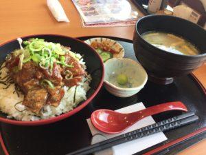 海鮮まぐろ家の「串木野漁師飯」は夏でもペロリな「こっさり」系な海鮮丼!!
