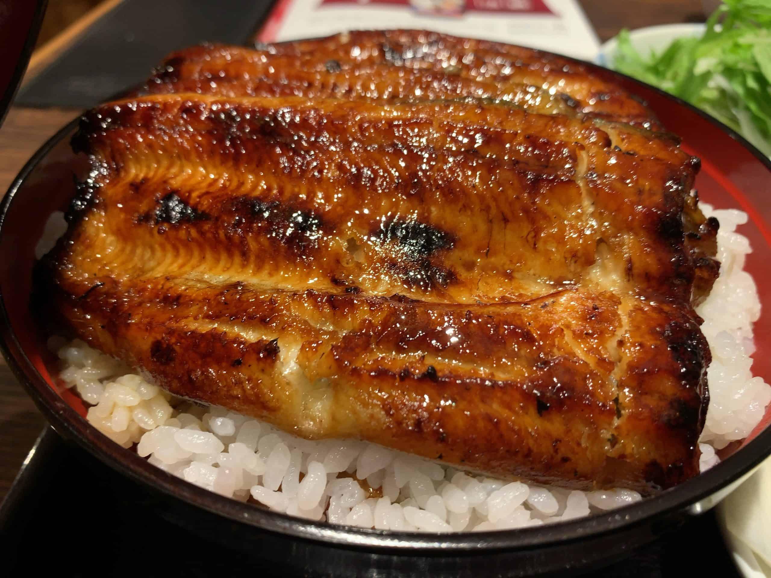 鹿児島うなぎの名店松重の「殿様丼」を食べるにふさわしい男になりたい。